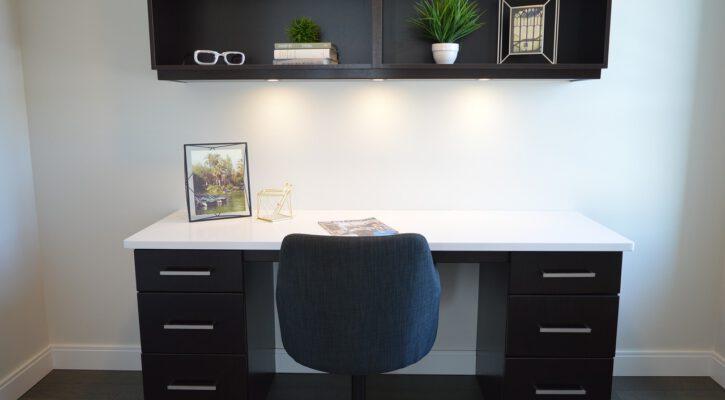 Výběr kancelářského stolu