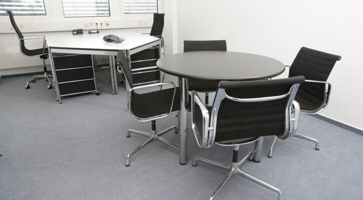 jak ušetřit za kancelářský nábytek
