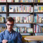 Zrcadla, police, knihovny: Ozdobte stěny pracovny nápaditými a funkčními doplňky